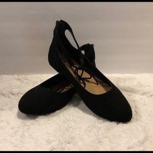 Torrid black velvet ballet flats w/ankle tie Sz 9